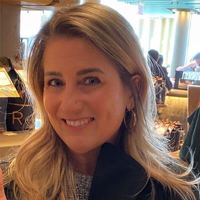 headshot of Elisabeth Sanchez