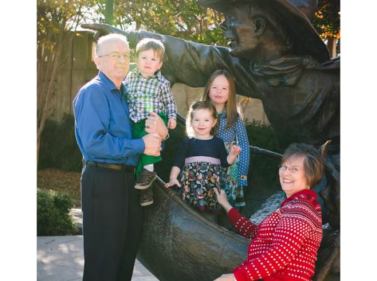 McGraw family at Santa Calls statue