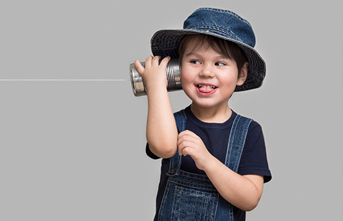 child using can phone