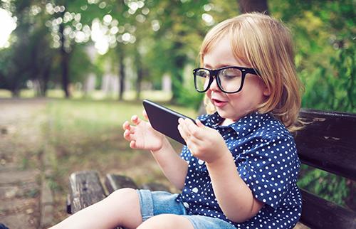 child using smartphone
